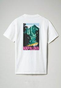 Napapijri - S-ALHOA - T-shirt med print - white graph n - 6