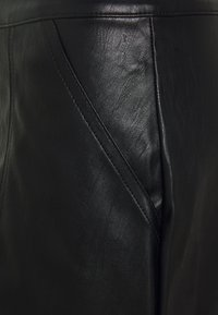 Vero Moda Tall - VMSYLVIA SHORT SKIRT TALL - Mini skirt - black - 2