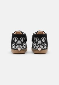 Shoo Pom - KIKKI BULLDOG - Chaussures premiers pas - black/silver - 2