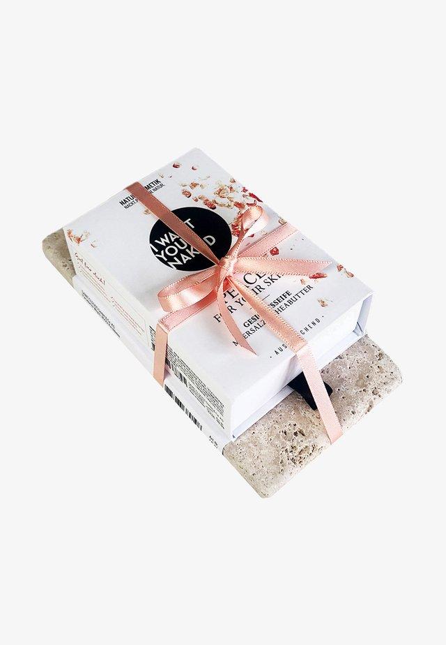 SOAP & STONE - Set pour le bain et le corps - peace for your skin