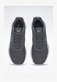 cdgry6/white/black