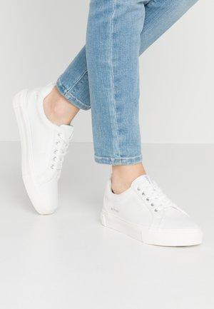 VENUSE  - Sneaker low - offwhite