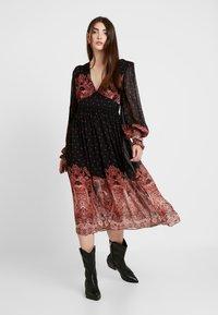 Thurley - DALLAS DRESS - Długa sukienka - black - 0