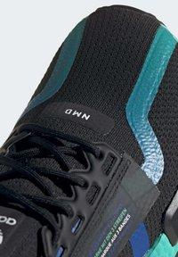 adidas Originals - NMD_R1 V2 SHOES - Sneakers basse - black - 7