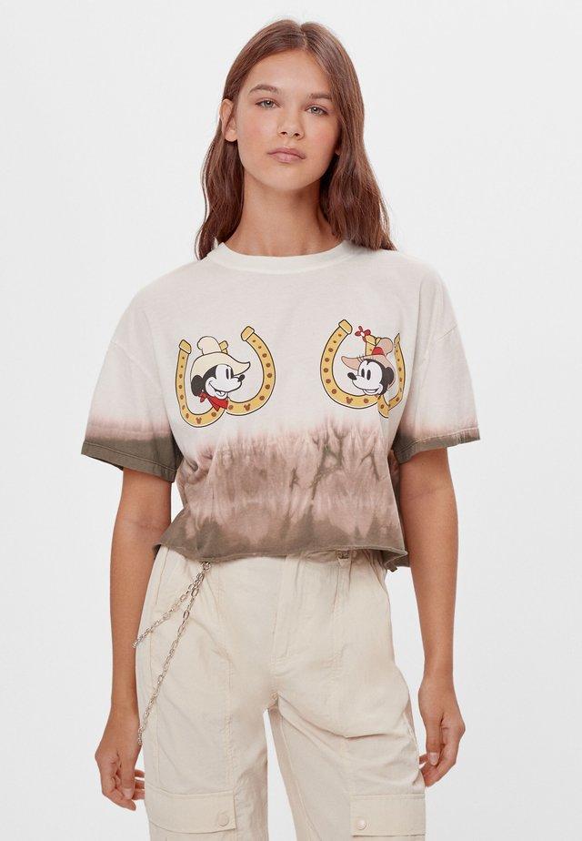 MIT TIE-DYE-PRINT UND MICKY-MOTIV - Print T-shirt - stone