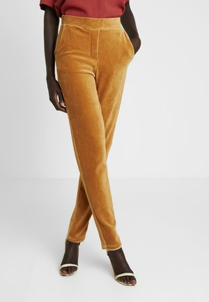 OBJCORDA LISA SLIM PANT - Kangashousut - brown sugar