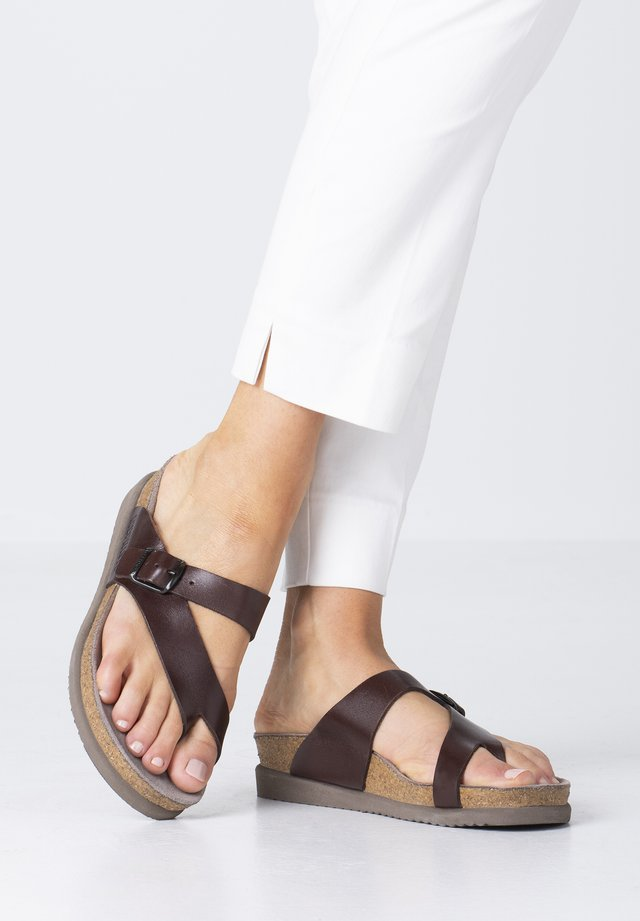 HELEN - T-bar sandals - chestnut