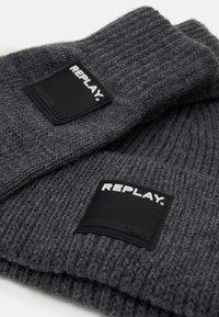 Replay - GLOVE HAT SET - Gloves - grey melange - 1
