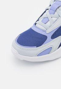 Nike Sportswear - AIR MAX BOLT  - Sneakers basse - dark purple dust/light thistle/pure platinum - 5