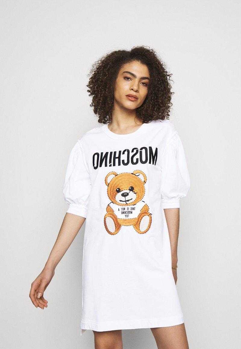 MOSCHINO - DRESS - Trikoomekko - fantasy print white