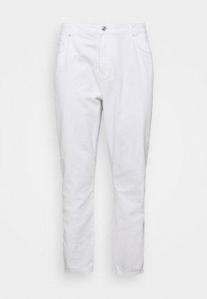 NMISABEL MOM - Džíny Straight Fit - bright white