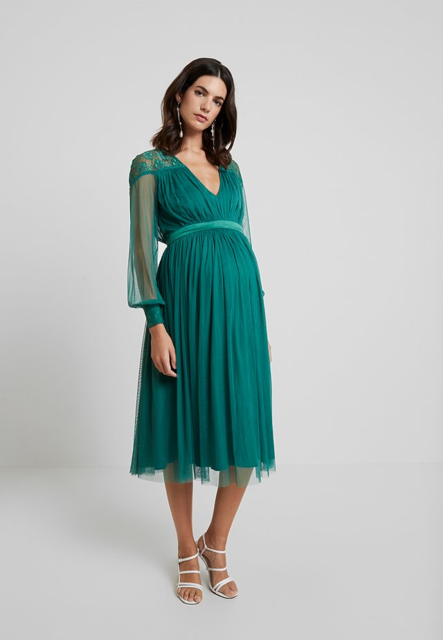 LACE YOKE WITH LONG SLEEVES - Cocktailjurk - emerald green