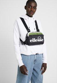 Ellesse - LIPPO - Bum bag - khaki - 5