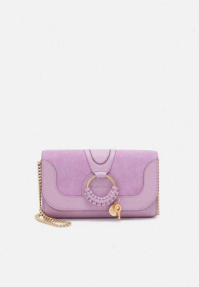 HANA HANA PHONE WALLET - Across body bag - lavender mist
