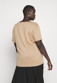 Missguided Plus - CURVE V NECK 2 PACK - T-shirts med print - black/camel