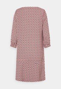 comma - KURZ - Day dress - red - 1