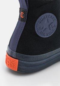 Converse - CHUCK TAYLOR ALL STAR CX UNISEX - High-top trainers - black/steel/wild mango - 5