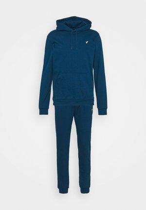Dres - dark blue