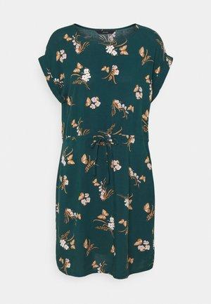 VMSIMPLY EASY TIE SHORT DRESS - Denní šaty - sea moss/ann