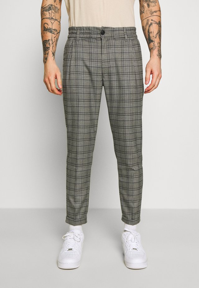 BRYCE PANTS - Pantaloni - grey