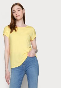 Vero Moda Tall - VMAVA PLAIN 2 PACK - Basic T-shirt - desert sage/cornsilk - 4