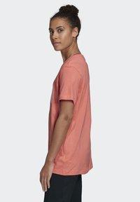 adidas Performance - LOGO T-SHIRT - Print T-shirt - red - 3