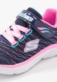 Skechers - WAVY LITES - Sneaker low - navy/pink/multicolor - 2