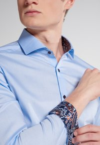 Eterna - SUPER SLIM - Formal shirt - hellblau - 2
