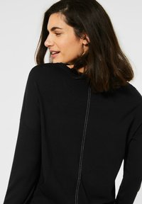 Cecil - MIT PATCHWORK - Long sleeved top - black - 1