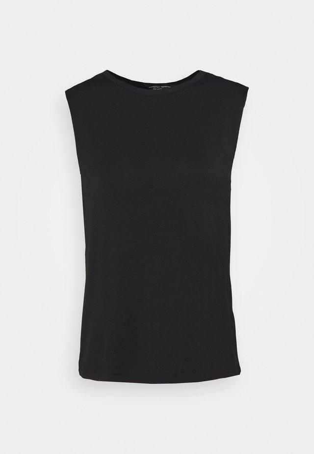 PADDED SHOULDER TEE - T-shirt basic - black