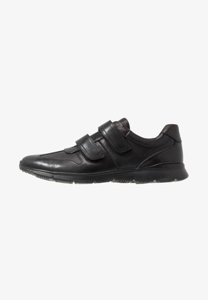 UN TYNAMO TURN - Sneakers basse - black