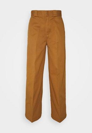 WINNSBORO - Pantaloni - brown duck