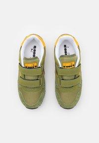 Diadora - SIMPLE RUN UNISEX - Sportovní boty - calliste green - 3