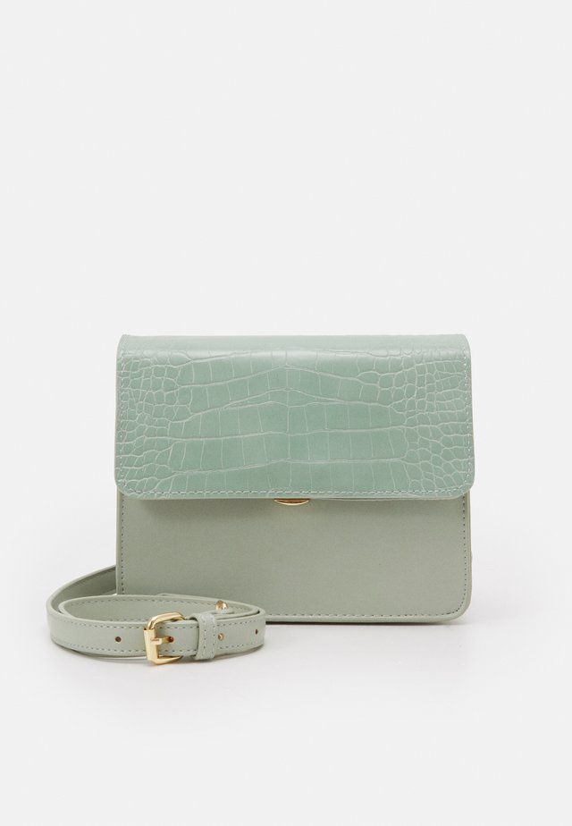 ONLSARAH CROSS BODY BAG - Schoudertas - desert sage