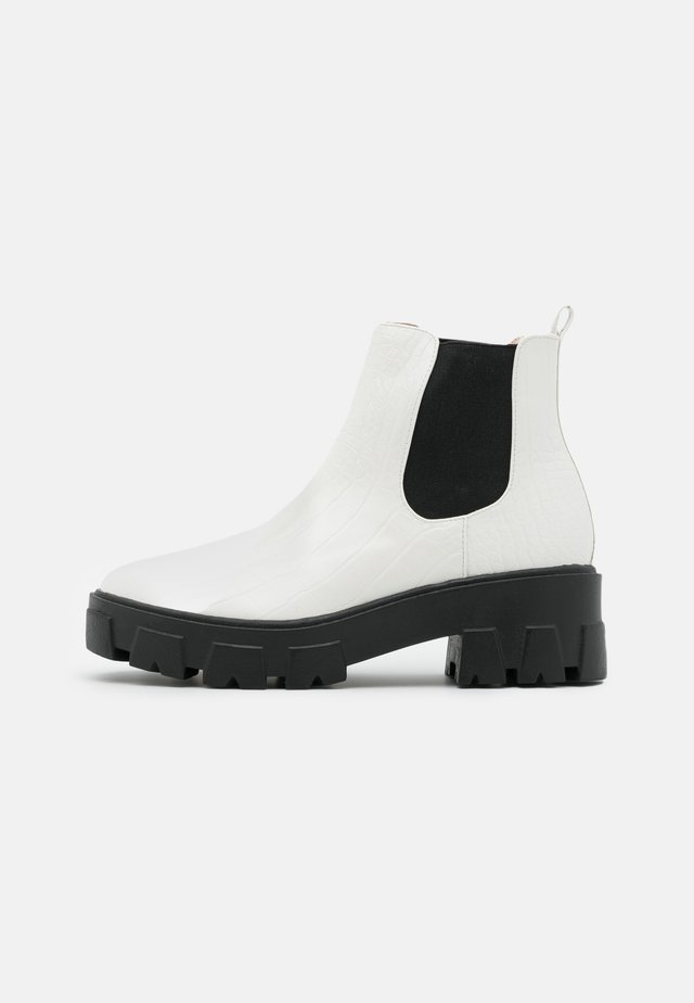 LIZA - Ankle boots - white