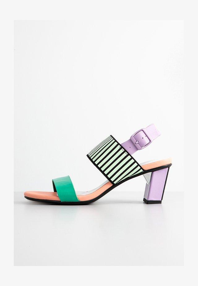 Sandals - pastel