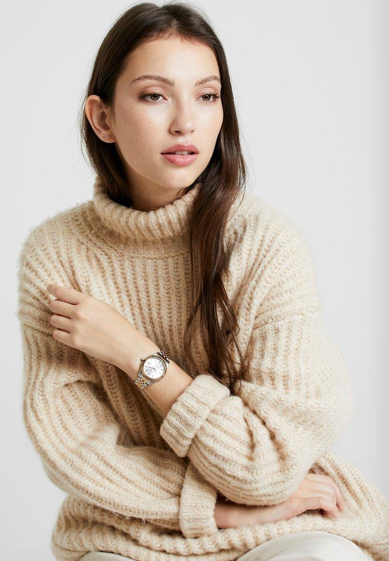 Timex - WATERBURY CASE DIAL - Watch - multi-coloured