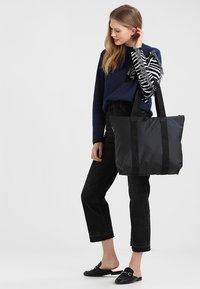 Rains - TOTE BAG RUSH - Shopping bags - black - 5