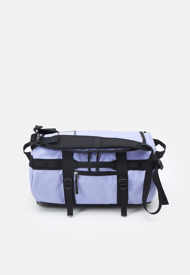 BASE CAMP DUFFEL - XS - Sac de sport - sweet lavender/black