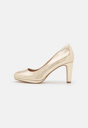 COMFORT - Klassiske pumps - gold