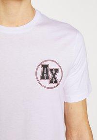 Armani Exchange - T-shirt med print - white - 4