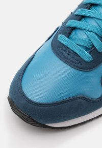 adidas Originals - USA 84 UNISEX - Sneakers basse - crew navy/blue oxide/hazy blue - 5