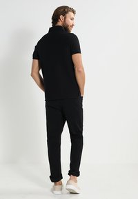 Tommy Hilfiger - PERFORMANCE SLIM FIT - Piké - black - 2
