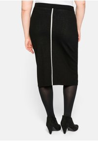 Sheego - Pencil skirt - schwarz - 2