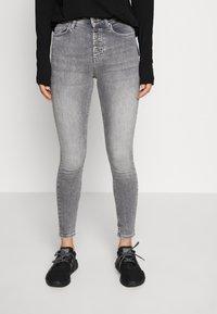 ONLY - ONLBLUSH BUTTON - Jeans Skinny Fit - medium grey denim - 0