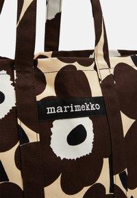 Marimekko - PERUSKASSI PIENI UNIKKO - Tote bag - beige/brown/off white - 5