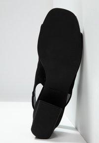 Vagabond - ELENA - Sandaalit nilkkaremmillä - black - 6