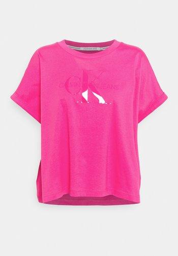 TONAL MONOGRAM TEE - Print T-shirt - party pink
