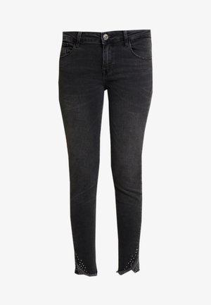 SUMNER FRAY TROK - Skinny džíny - black