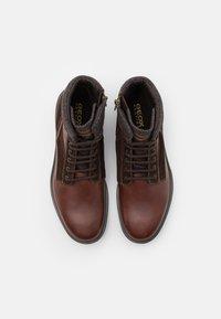 Geox - ALBERICK - Šněrovací kotníkové boty - dark cognac/dark brown - 3